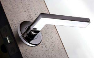 modern-szogletes-ajtokilincs-kulcskiraly